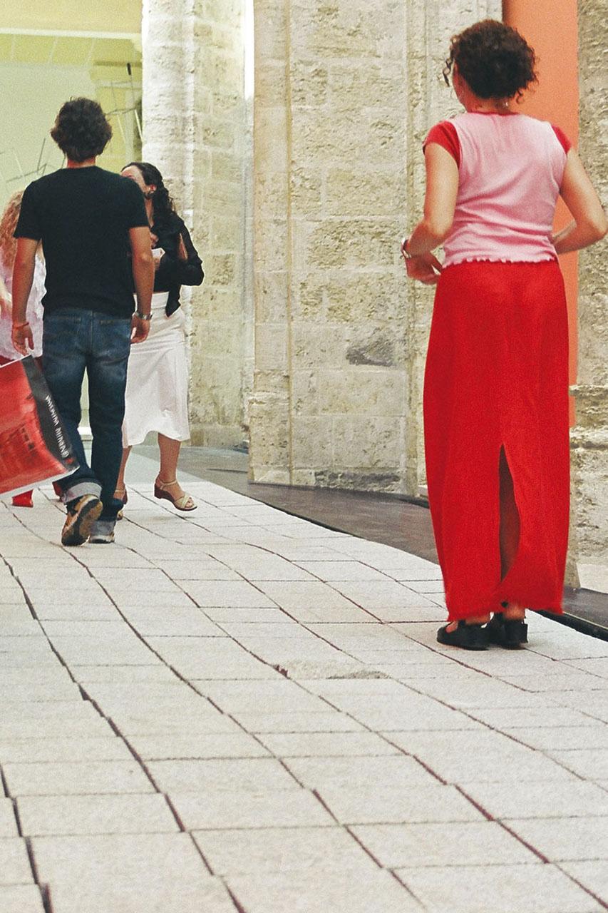 """Common Ground – Departamento de Danza. Interactive installation, 2003. Group exhibition """"La Ciudad Ideal"""", 2a Bienal de Valencia. Convento del Carmen, Valencia (ES). Photo: Assocreation."""