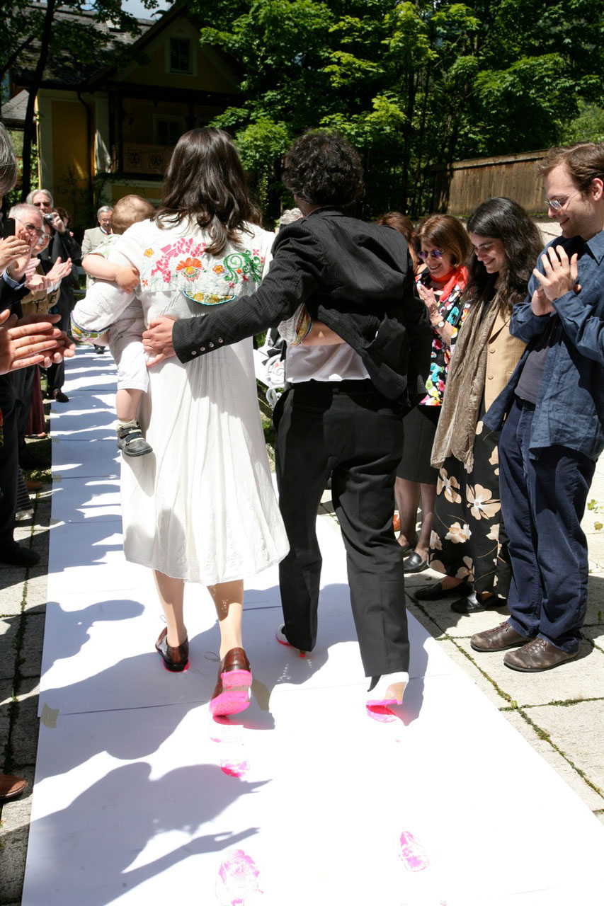 Pink Prints – first steps. Happening, 2010. Bad Ischl (AT). Photo: Assocreation.
