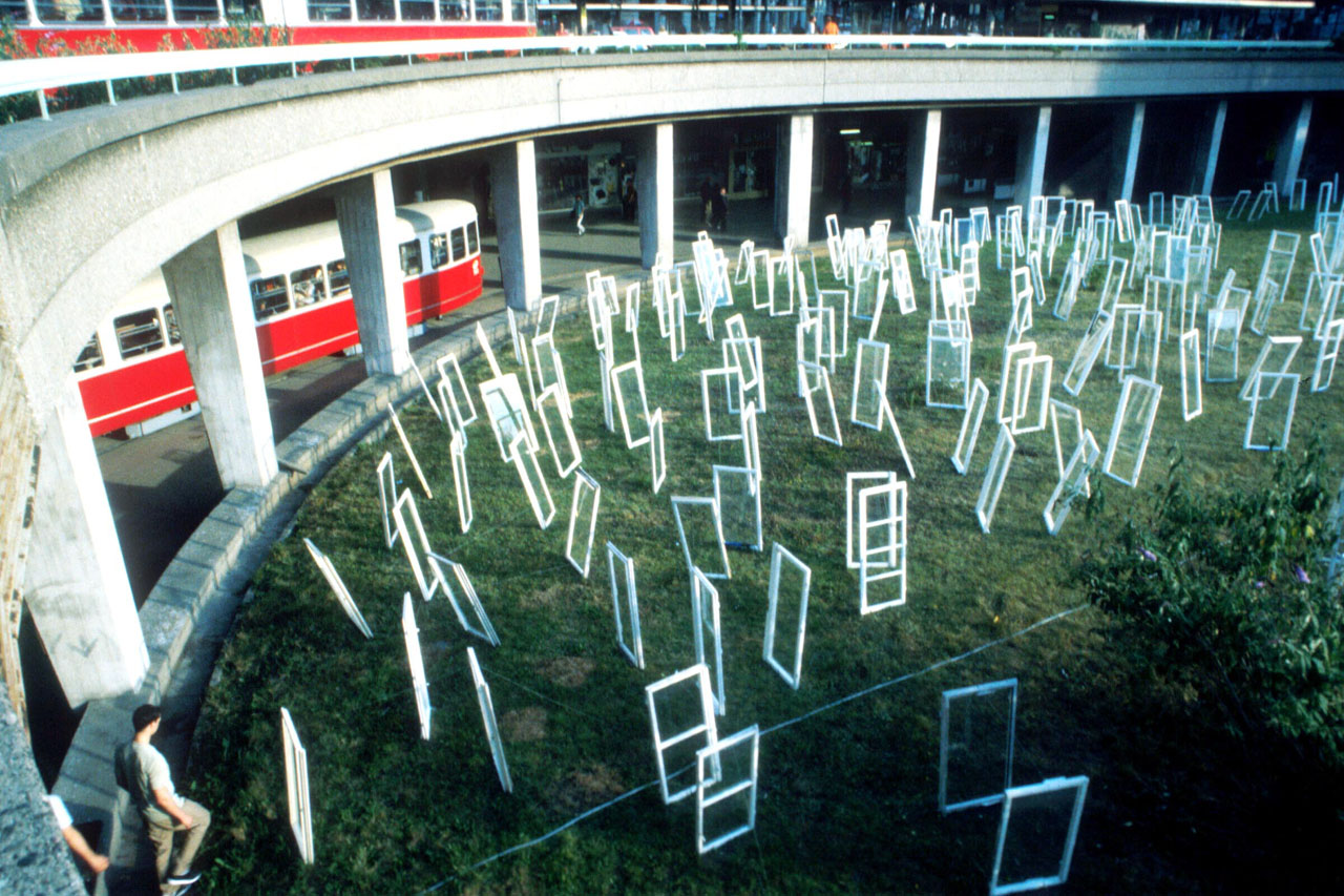 "Windows 97. Installation, 1997. Tram stop ""Schottentor"", Vienna (AT). Photo: Assocreation."